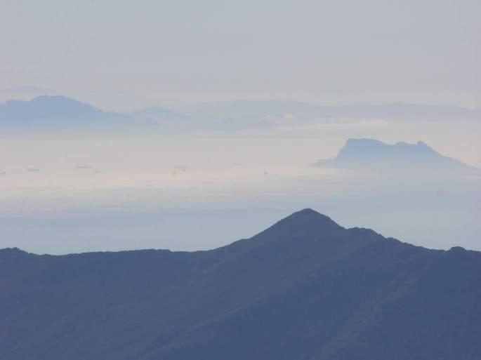Llegando exhausta al municipio de Estepona, ya podía divisar la dura prueba del Estrecho de Gibraltar, y al fondo: ¡África!